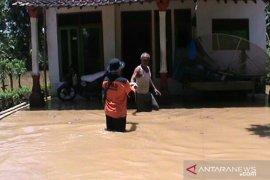 Pemprov Jatim kirim bantuan untuk korban banjir di Jember