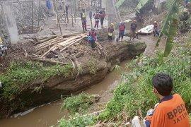 Satu korban terseret arus Sungai Kalimanten Malang ditemukan