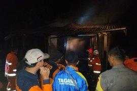 Kebakaran di Ingko Tambe Kapuas Hulu suami istri dilarikan ke rumah sakit