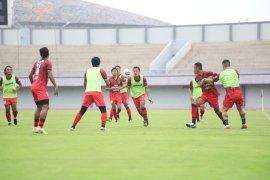 Manajemen  Persita Tangerang kemungkinan perpanjang libur pemain