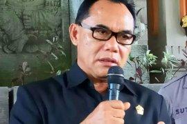 Ketua DPRD  minta masyarakat tidak panik akibat masker langka