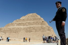 Mesir  bersihkan piramida yang dikosongkan dari turis