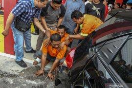 Tiga pembunuh sadis seorang pengusaha ditangkap, tersangka utama pecatan polisi