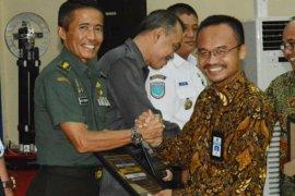 Kodam XII Tanjungpura terima dua penghargaan dari Kementerian Keuangan