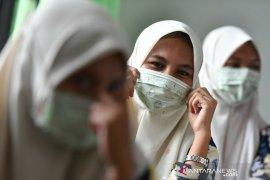 Ribuan masker dibagikan gratis oleh  LF PCNU Kabupaten Gresik (Video)