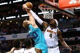 Basket, NBA - Murray pastikan kemenangan tipis Nuggets atas Hornets