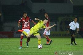 Barito Putera Versus Bali United