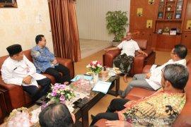 Komisaris Bank Kalsel silaturahmi Bupati Banjar