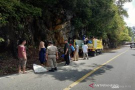 Sampah di puncak Gunung Geurute mulai dibersihkan