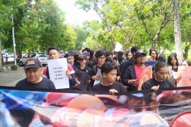 FSPM Bali demo menolak RUU Omnibus Law