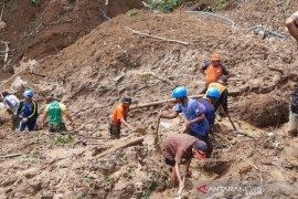 Pencarian seorang warga tertimbun longsor Cisayong Tasikmalaya dihentikan
