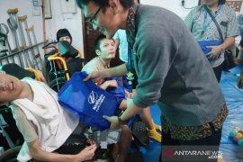 48 anak disabilitas dari Cileungsi Bogor dihibur pertunjukkan boneka