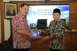 Wali Kota Malang belajar program Smart Kampung ke Banyuwangi
