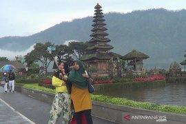 Presiden Jokowi minta sektor pariwisata fokus garap wisatawan domestik