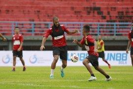Manajemen  Persipura belum tentukan sikap terkait kelanjutan Liga 1