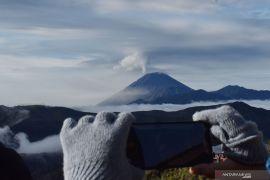 Aktivitas Gunung Semeru Level II
