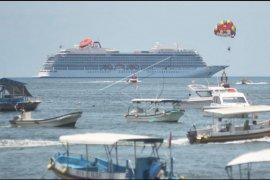 Kapal pesiar Viking Sun masuk ke perairan Bali