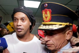 Mantan pemain timnas Brasil Ronaldinho dicekal di Paraguay, ini penyebabnya