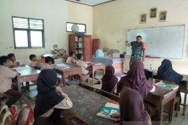 Babinsa Cikande berikan materi wawasan kebangsaan pelajar SD di Serang