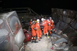 Hotel tempat karantina COVID-19 di Fujian runtuh, 49 orang selamat