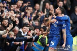 Giroud dan Caballero  perpanjang kontrak bersama Chelsea hingga 2021