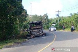 Bus Kurnia jurusan Medan- Aceh terbakar di kawasan pegunungan Seulawah