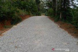 Desa Wonosari bangun jalan  usaha tani gunakan Dana Desa