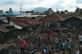Gudang dan rumah kontrakan terbakar di Pematang Silimakuta Simalungun