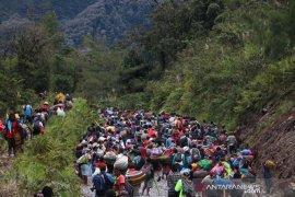 KKB terus mengancam, ratusan warga tinggalkan kampung halaman