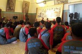 Siswa SMP Kartini Batam belajar sejarah kebangsaan di Mentok