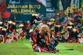 "Ratusan milenial Banyuwangi ""flashmob"" tarian Jaranan Buto"