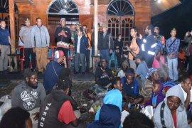 Kapolda Papua kunjungi pengungsi Tembagapura di Timika