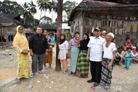 """Bawa """"oleh-oleh"""" pembangunan, masyarakat dua kecamatan sambut baik kunjungan Bupati Tapsel"""