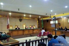 Jaksa KPK dakwa Bupati Indramayu nonaktif disuap Rp3,9 miliar dari pengusaha