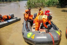 Tim SAR masih cari korban tenggelam di Sungai Cimanuk Majalengka