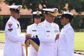 Komandan Kodiklatal lantik 213 prajurit Dikmaba TNI AL Angkatan ke-39