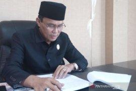 Ketua DPRD Penajam minta warga tenang sikapi COVID-19
