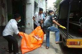 Pengusaha salon di Pematangsiantar tewas tergantung di dalam kios