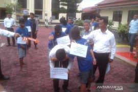 Tersangka pelaku pembunuhan di Rejang Lebong ikut ujian sekolah dalam sel tahanan
