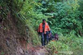 Pemkab Garut bangun jalan poros Cisompet-Cihurip untuk mendongkrak perekonomian warga