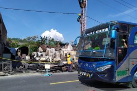Rumah Ketua DPRD Simalungun terbakar