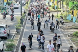 Kota Bandung belum berencana hentikan CFD karena masih aman dari corona