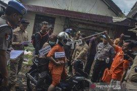 Rekonstruksi pembunuhan anak kandung di Tasikmalaya