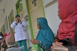 Sosialisasi pencegahan virus Corona  pada pengunjung Rumah Sakit Page 3 Small
