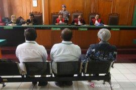 Pengadilan bebaskan enam terdakwa kasus jalan ambles Gubeng