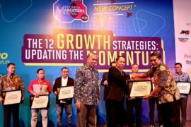 Rektor UMSU raih Industry Marketing Champion 2020 Kota Medan