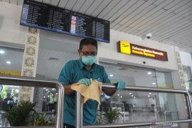 Cegah COVID-19, AP I lakukan pembersihan fasilitas Bandara Ngurah Rai