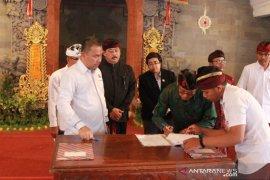 """Kejari - perbekel se-Gianyar tanda tangani """"MoU"""" dana desa"""