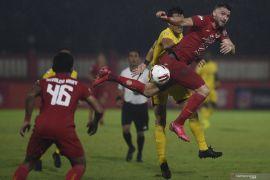 Pelatih Persija Sergio Farias Jakarta puji kiper Bhayangkara FC Awan Setho