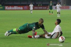 Pelatih Persebaya Aji Santoso janji tebus kehilangan lima poin kandang